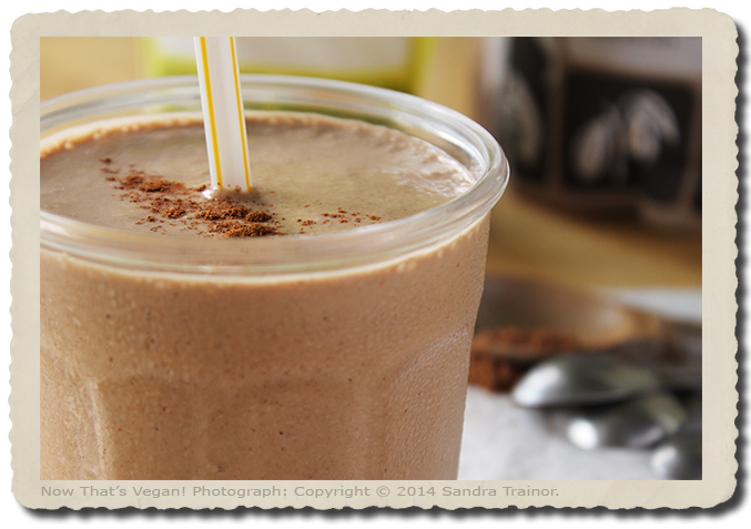 A creamy vegan smoothie flavored with cacao and spices.
