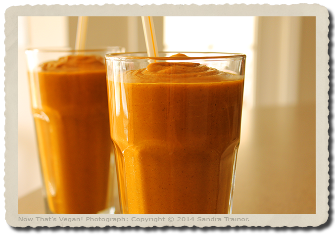 A smoothie made with pumpkin purée and spices.