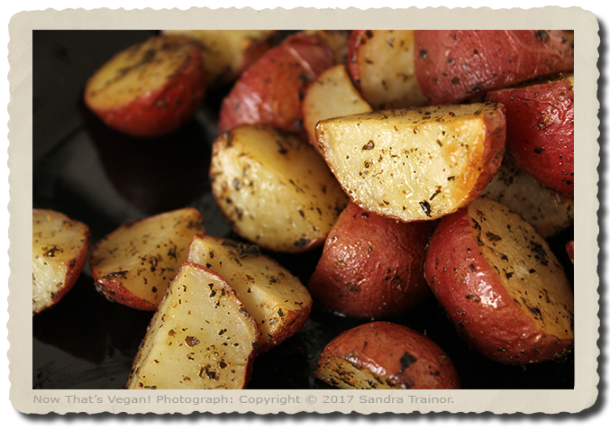 Small red potatoes roasted with seasoning.
