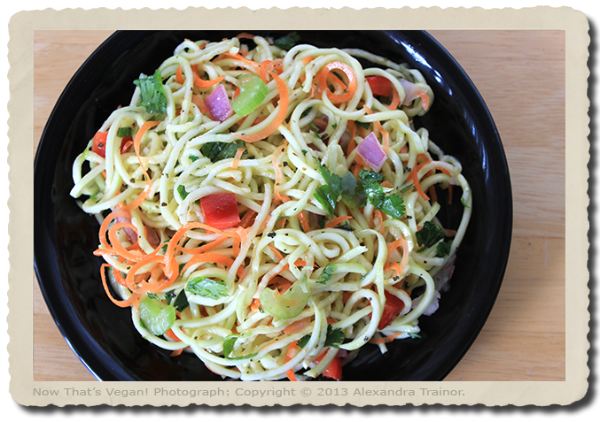 Spiralized zucchini with vegetables.