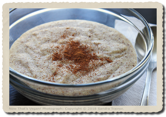 A warm breakfast porridge made with quinoa.